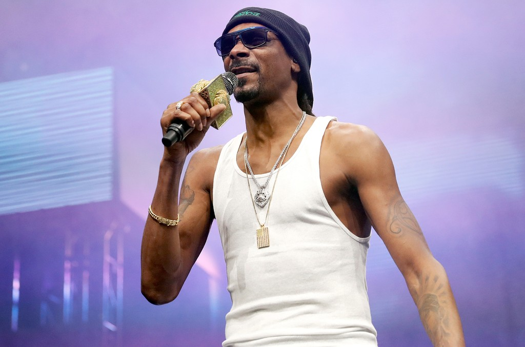 Snoop Dogg performs at The Forum