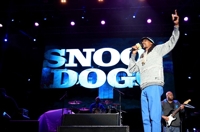 snoop-dogg-performance-super-bowl-2015-billboard-650