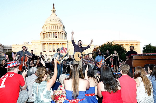 Phillip Phillips performs at the US Capitol
