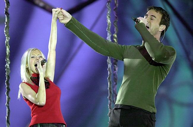 Phil Collins, Toni Braxton, Christina Aguilera & Enrique Iglesias, 2000