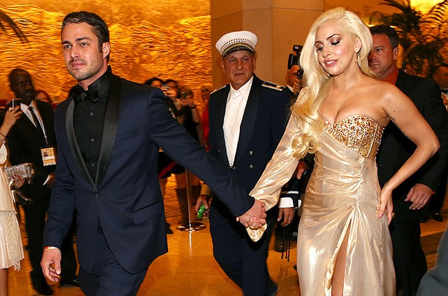 taylor-kinney-lady-gaga-golden-globes-2014-afterparty-650-430