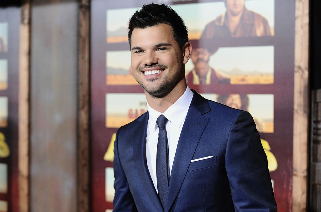 Taylor Lautner at Universal City
