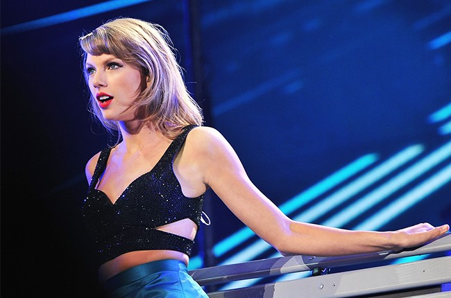 Taylor Swift 1989 World Tour Live Concert Film Coming To Apple Music Watch Trailer Billboard