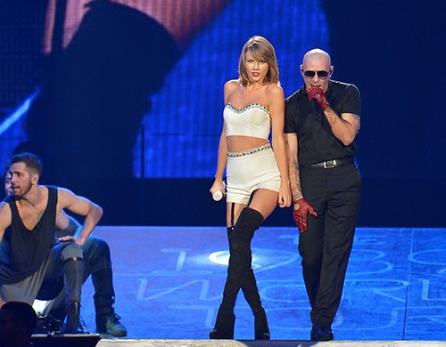 Taylor Swift S 1989 Tour See All Of Her Special Guests Billboard
