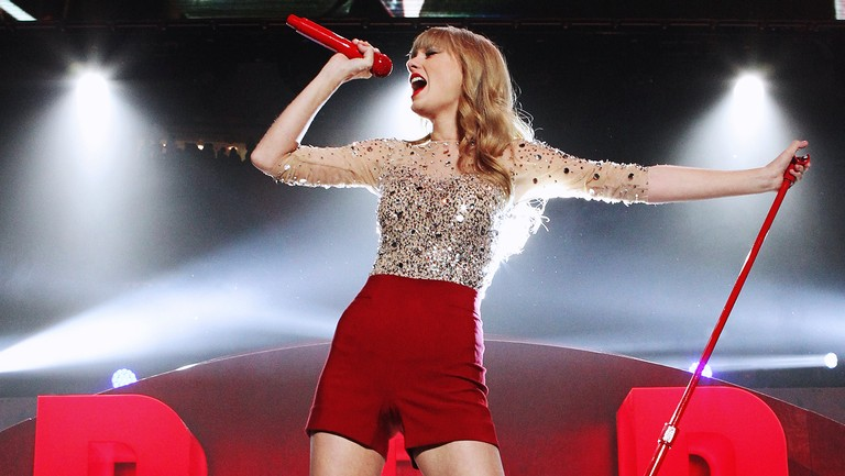 <p>Taylor Swift performs during Z100&#39&#x3B;s Jingle Ball 2012 presented by Aeropostale at Madison Square Garden on Dec. 7, 2012 in New York City. &nbsp&#x3B;</p>