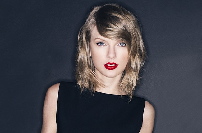 Official Taylor Swift S 1989 Debuts With 1 287 Million Sold In First Week Billboard