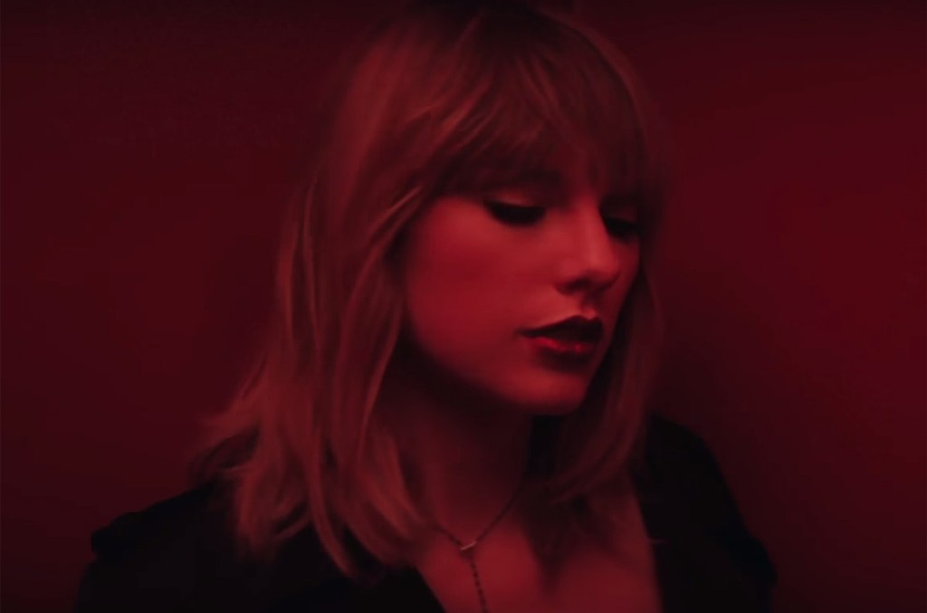 Taylor Swift in the video for I Don't Wanna Live Forever