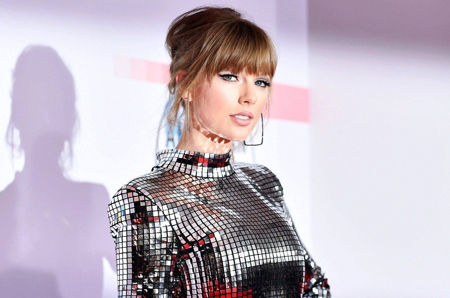 A Timeline Of Taylor Swift S Generosity Billboard