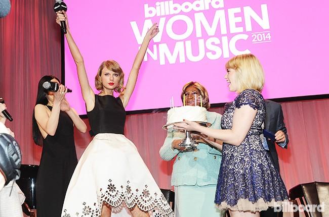 taylor-swift-birthday-cake-women-in-music-2014-billboard-450