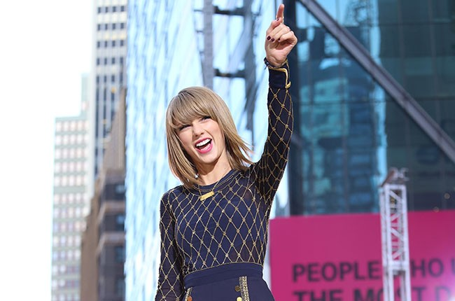 Taylor Swift Announces 1989 World Tour Dates Billboard