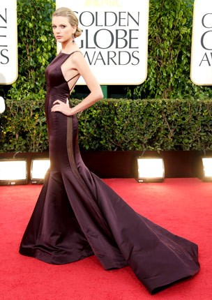 taylor-swift-golden-globes-2013-verticle-430