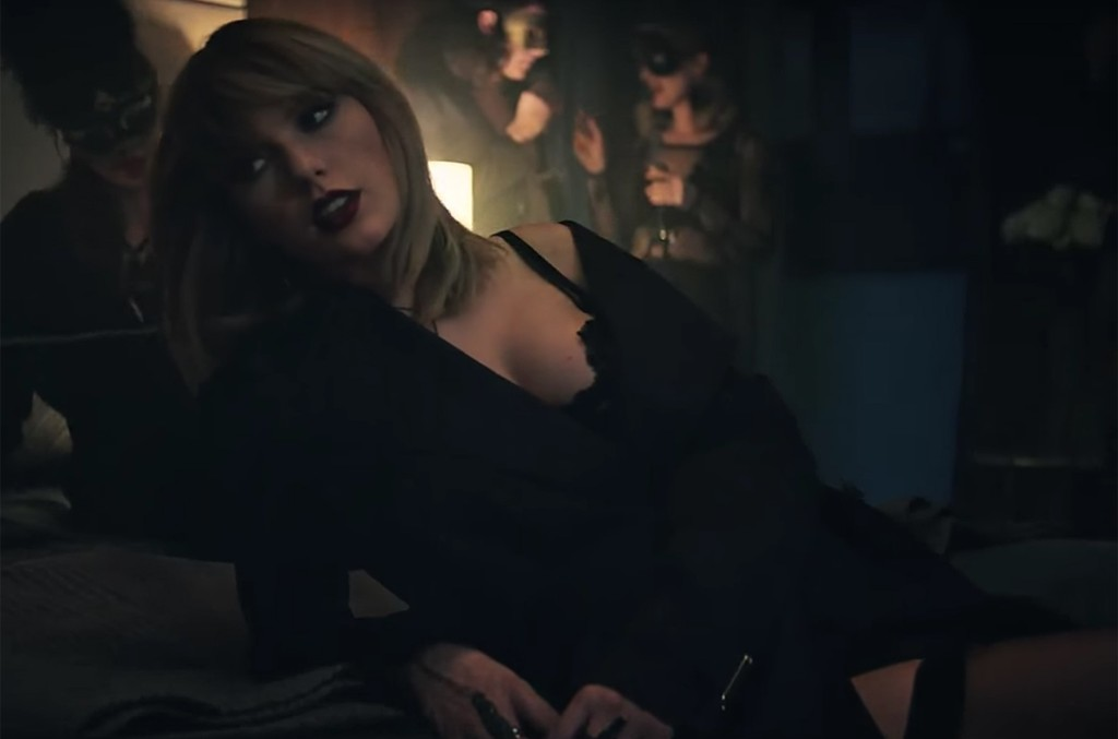 "Taylor Swift in ""I Don't Wanna Live Forever"" Music Video."