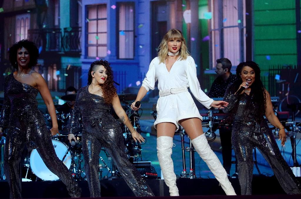 Taylor Swift, Jingle Ball