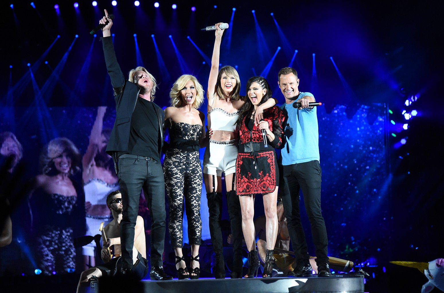 Taylor Swift performs with Little Big Town