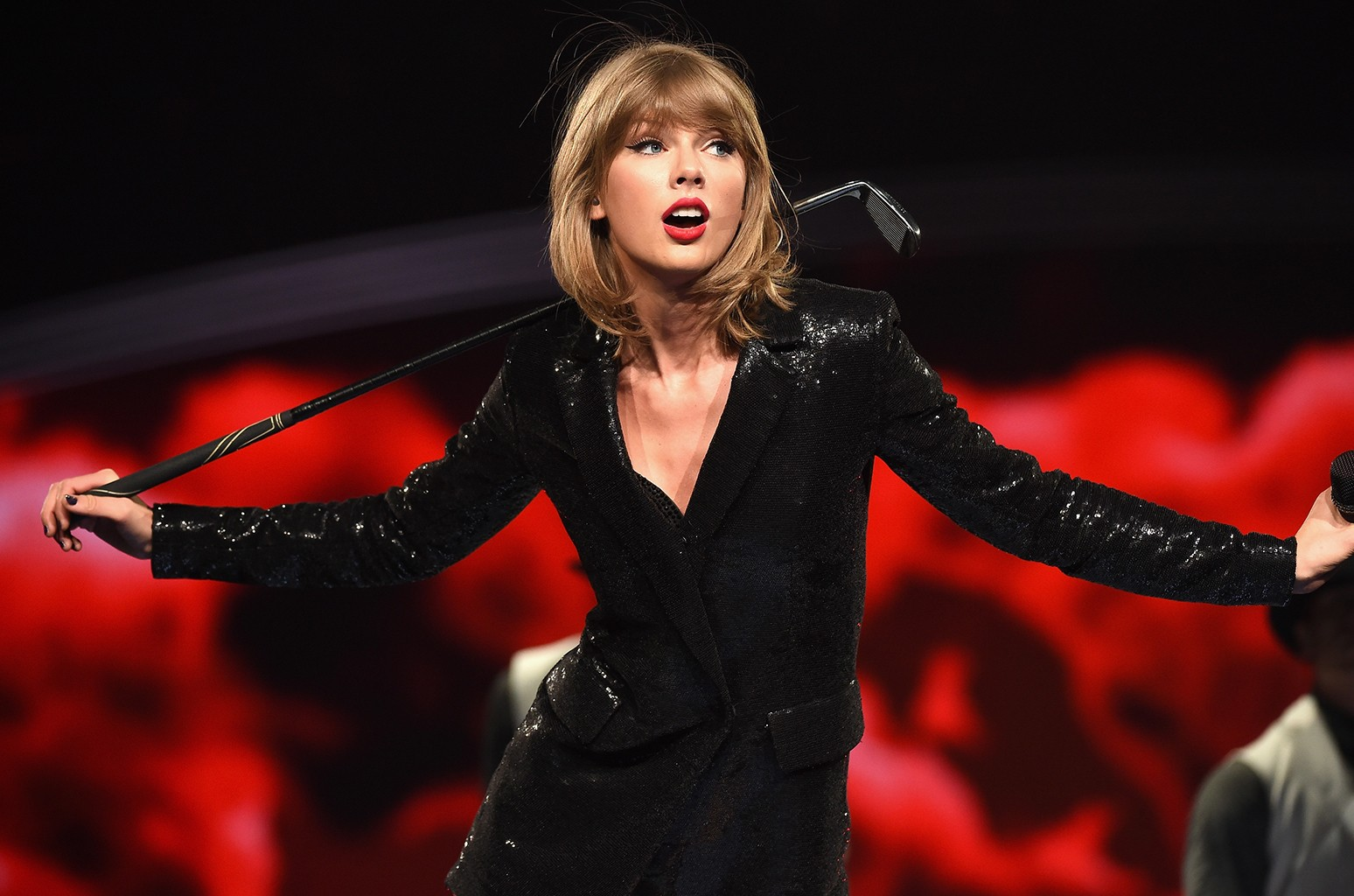 Taylor Swift performs during The 1989 World Tour