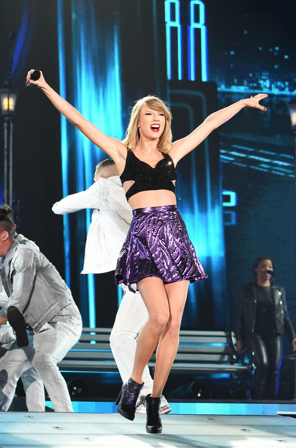 Taylor Swift S 40 Biggest Billboard Hot 100 Hits Billboard