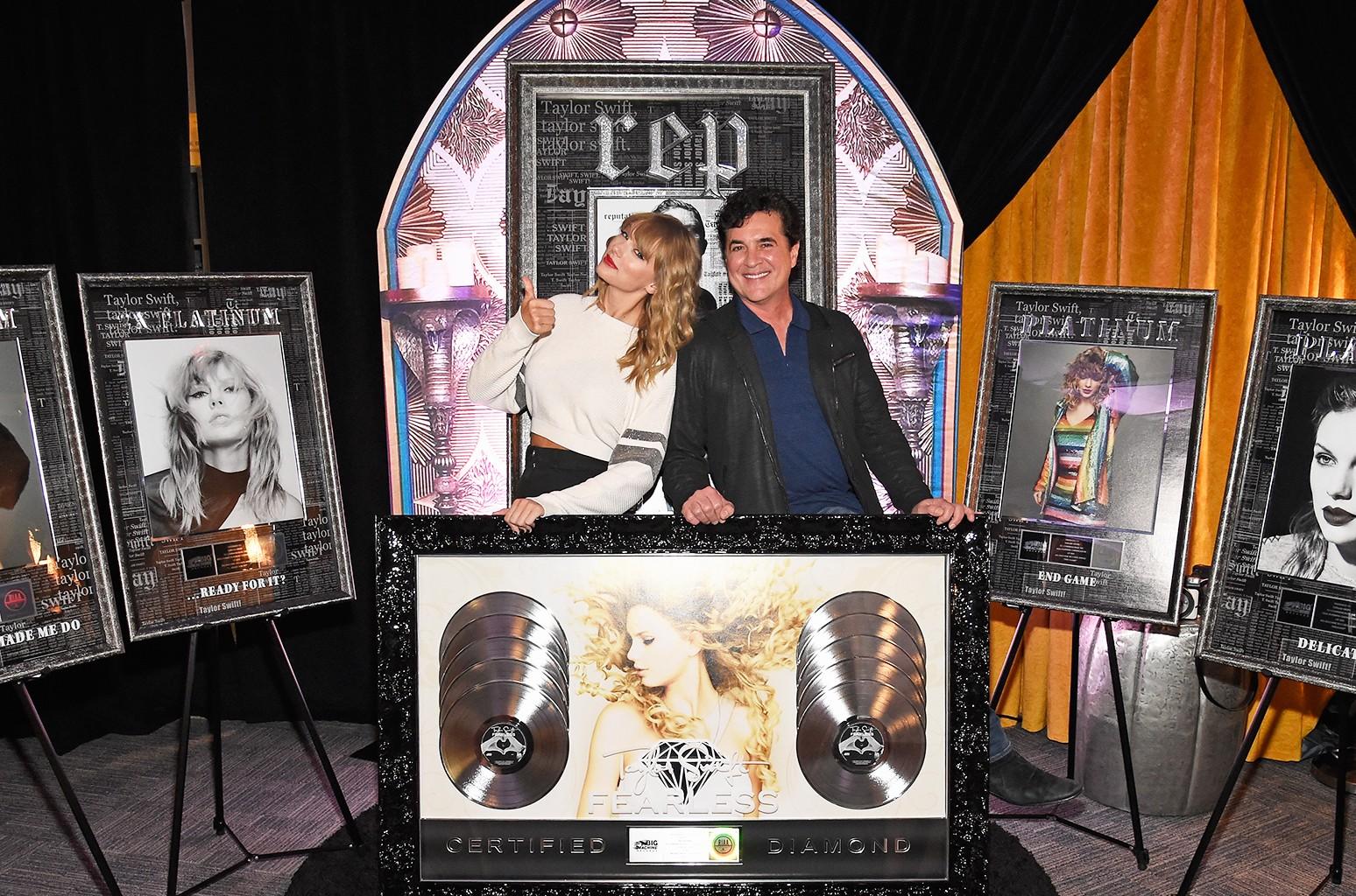 Taylor Swift Scott Borchetta