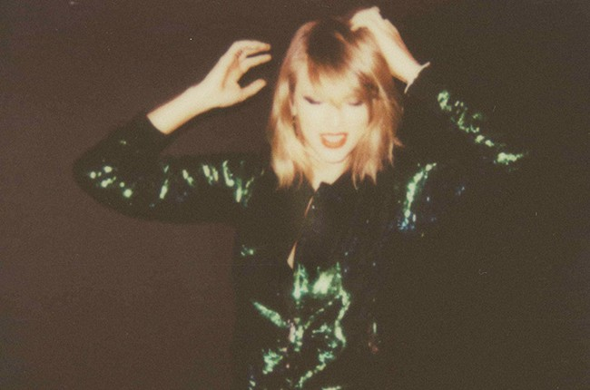 "Taylor Swift ""Shake It Off"" single cover"