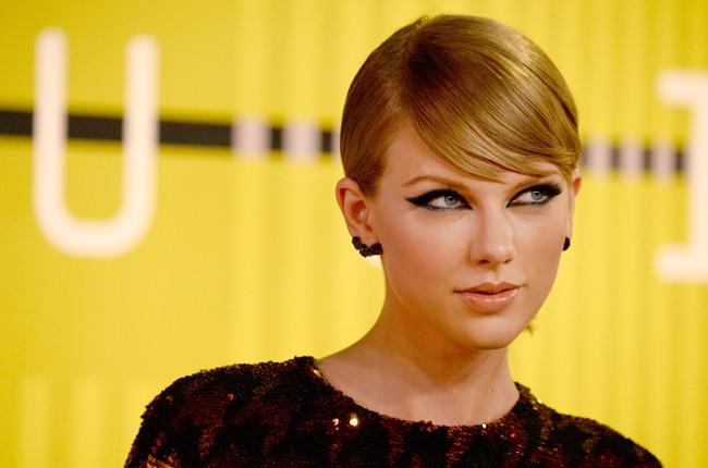 Taylor Swift To Trademark Swiftmas Billboard