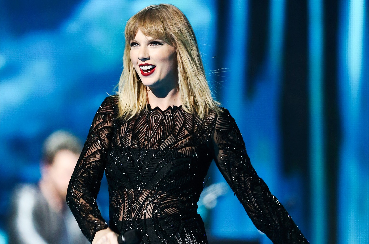Taylor Swift Performs Better Man I Don T Wanna Live Forever For First Time At Stunning Pre Super Bowl Set Billboard