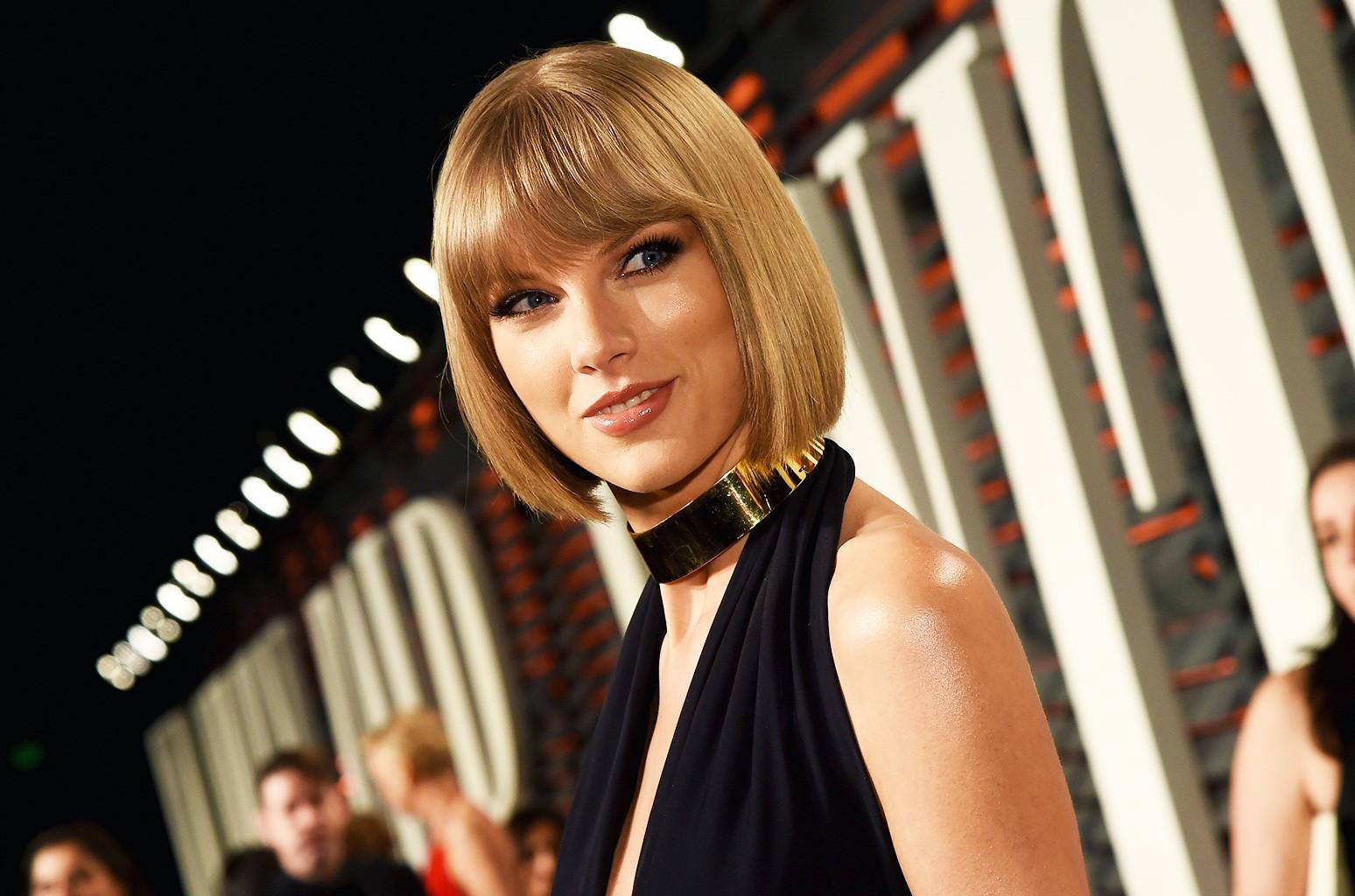 Taylor Swift at 2016 Vanity Fair Oscar Party