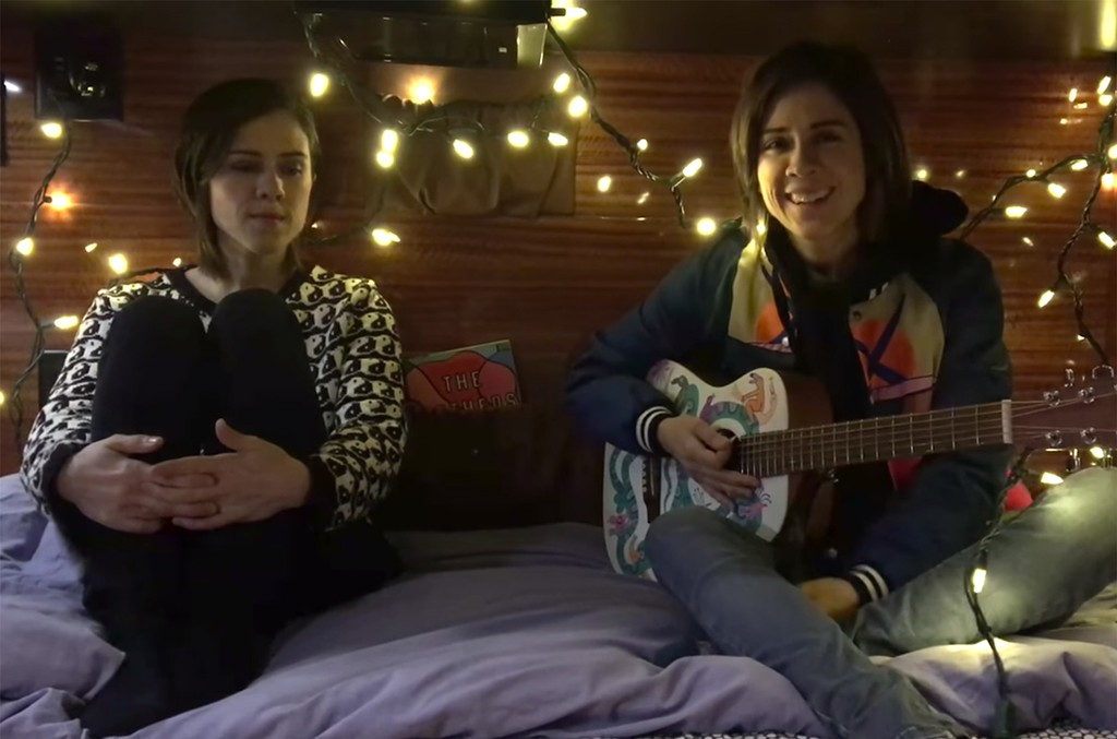 "Tegan and Sara perform ""Closer"" in bed 