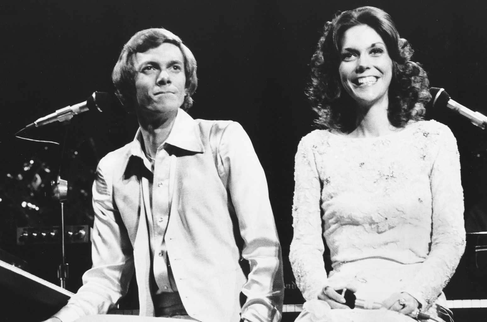 Richard and Karen Carpenter of The Carpenters photographed in London in 1976.