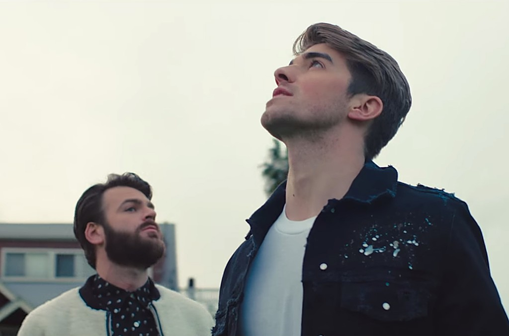 "The Chainsmokers, ""Paris"""