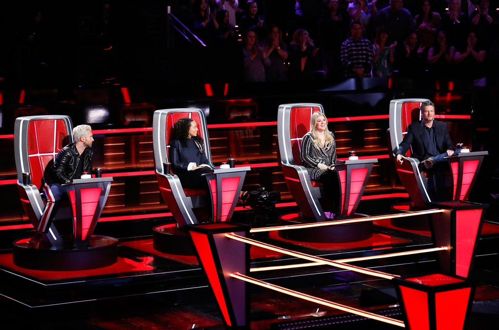 """Adam Levine, Alicia Keys, Kelly Clarkson and Blake Shelton during """"Battle Rounds"""" on The Voice."""
