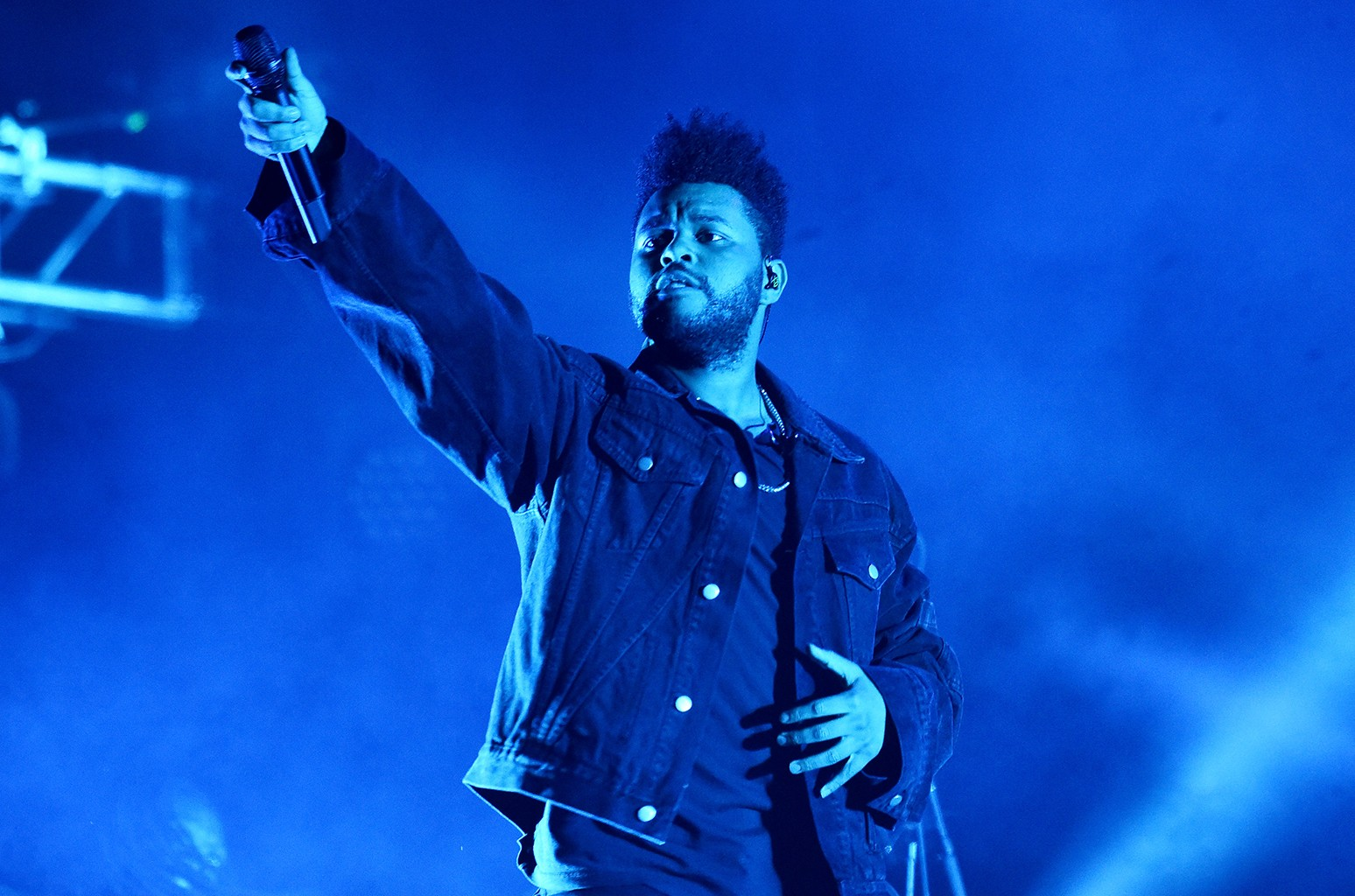The Weeknd Fans Celebrate Super Bowl Halftime Gig: 'That's a Big W' - Billboard