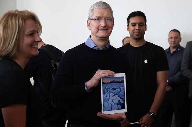 Tim Cook Apple Ipad 2016