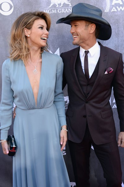 Faith Hill (L) and Tim McGraw