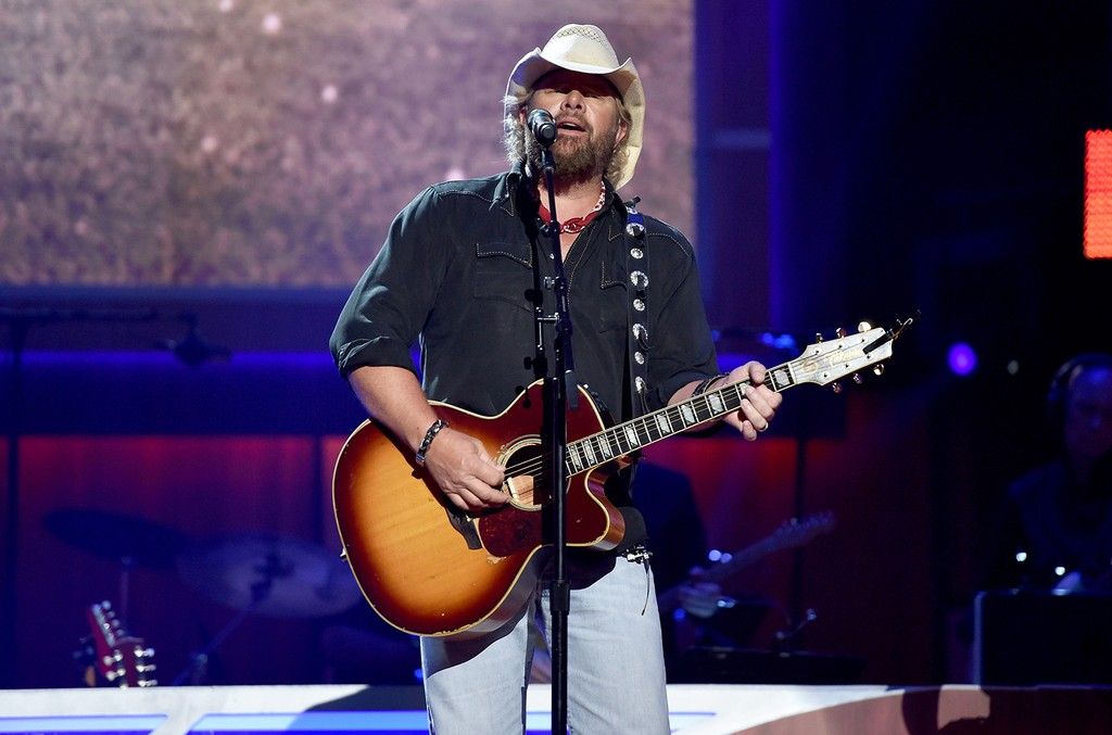 Toby Keith performs during the 10th Annual ACM Honors