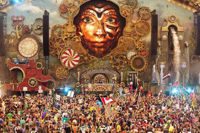 tomorrowworld-crowd-2015-650