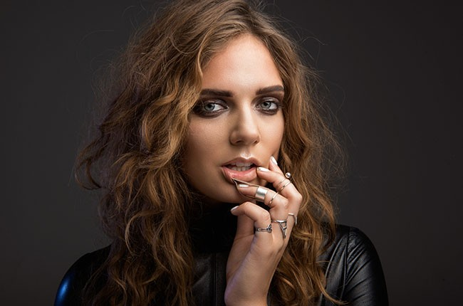 Tove Lo Falls Into Fame On Habits Opening For Katy Perry Using Music As Therapy Billboard