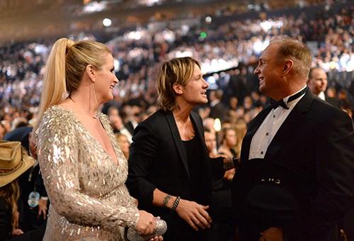 Trisha Yearwood, Keith Urban and Garth Brooks at the 49th annual CMA Awards