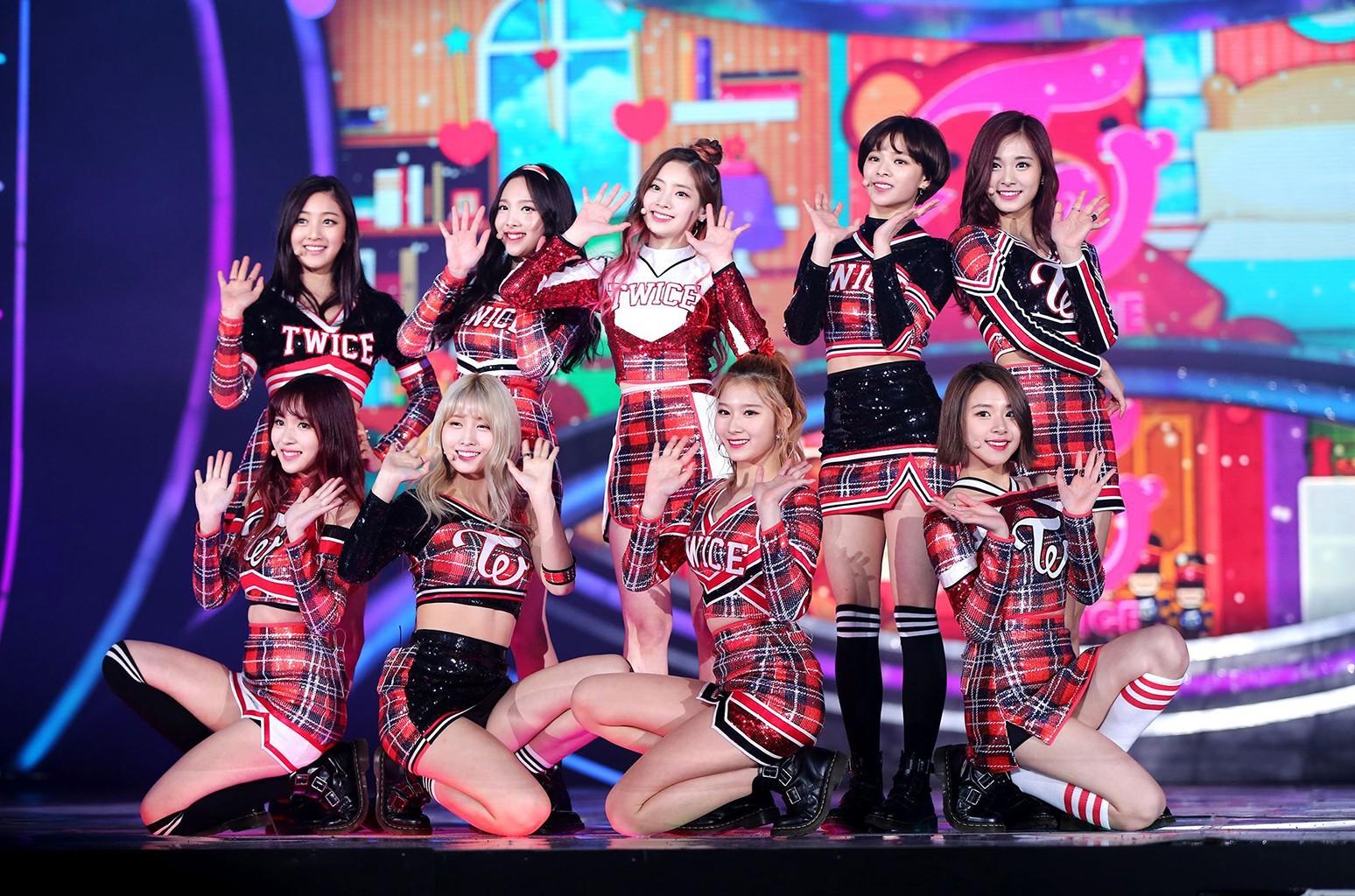 Twice perform in Seoul