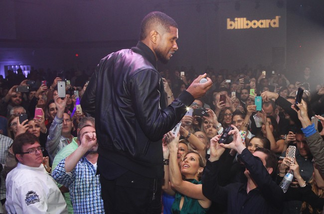 usher-01-billboard-thr-superbowl-2015-party-billboard-650