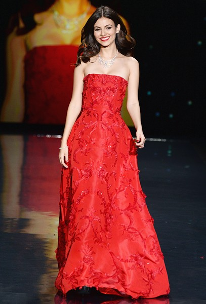 victoria-justice-red-dress-event-nyfw-fall2014-600