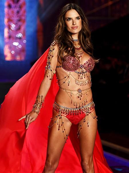 victorias-secret-fashion-show-2014-alessandra-ambrosio-million-dollar-bra-billboard-450