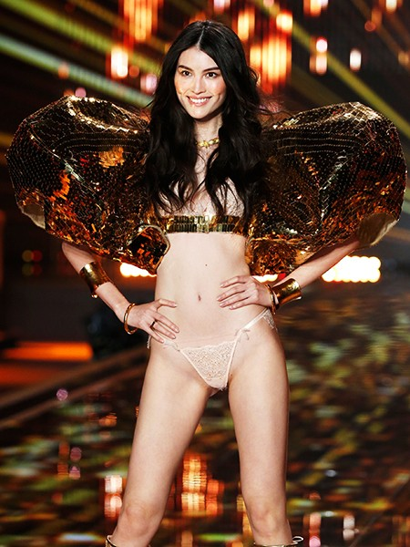 victorias-secret-fashion-show-2014-sui-he-billboard-450