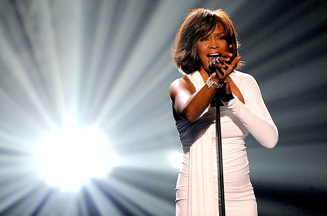 whitney-houston-2009-international-artist-award-650-430