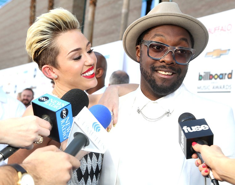 Miley Cyrus & Will.i.am