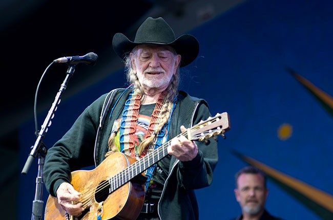 willie-nelson-jazz-fest-2013_15