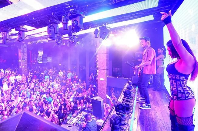 wiz-khalifa-tao-pre-billboard-music-awards-party-la-vegas-2015