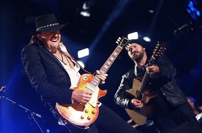 Richie Sambora performs with the Zac Brown Band at 2014 CMA Music Festival