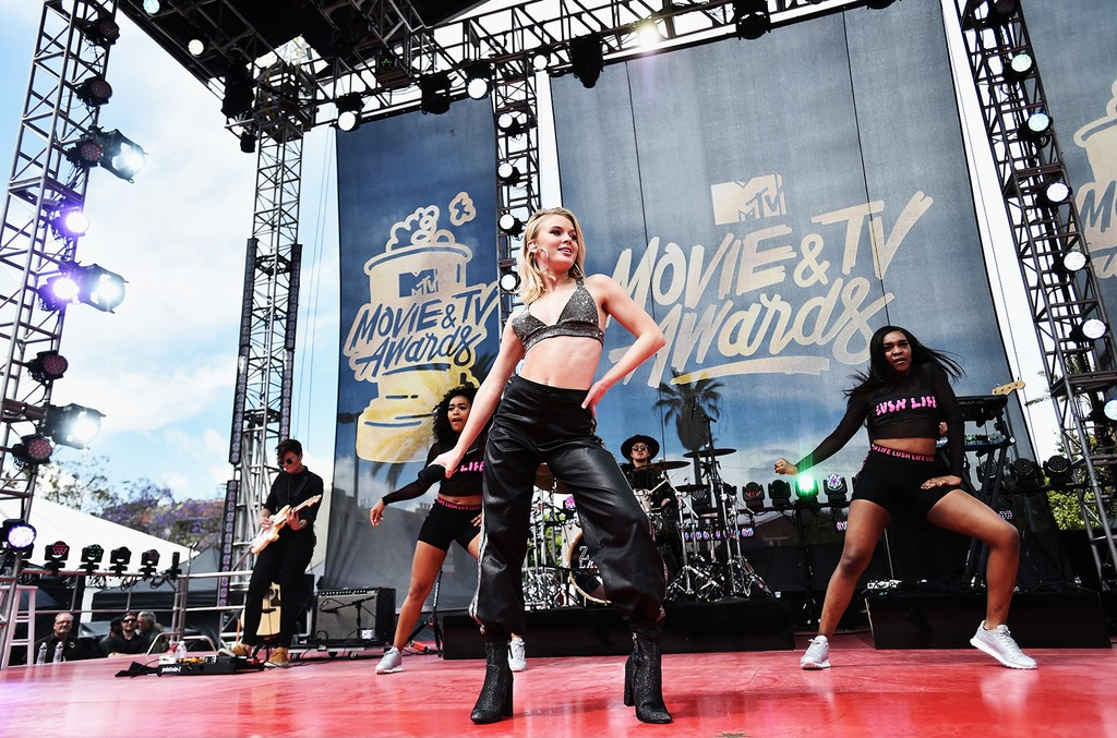 Zara Larsson performs onstage during the 2017 MTV Movie and TV Awards Festival at The Shrine Auditorium on May 7, 2017 in Los Angeles.