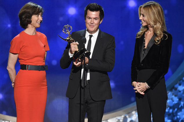 Simon Fuller accepts the Governors Award