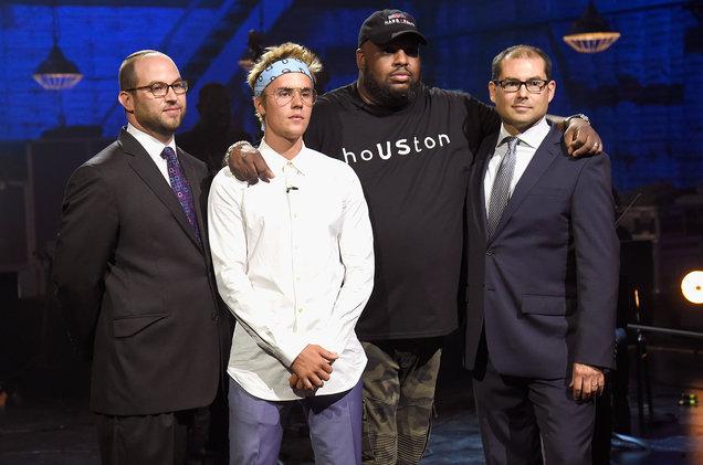Justin Bieber, Pastor John Gray