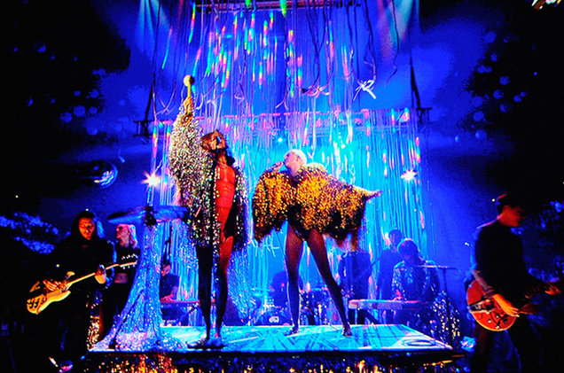Miley Cyrus, Flaming Lips at 2014 BBMAs